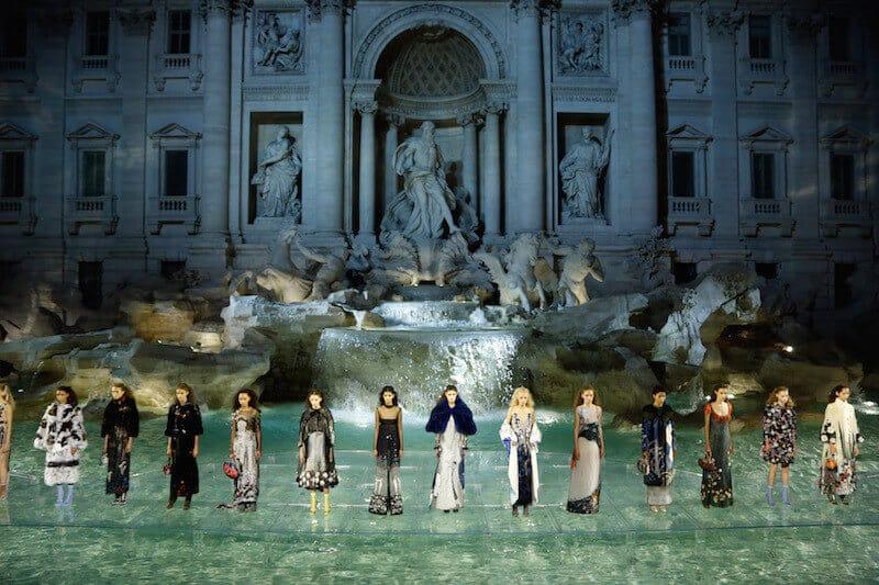 FENDI Autumn/Winter 2016/2017 Rome, Trevi Fountain by Cristina Fiorentino