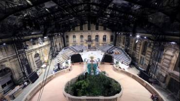 Louis Vuitton Women's Fall/Winter 2018 Fashion Show Set Construction