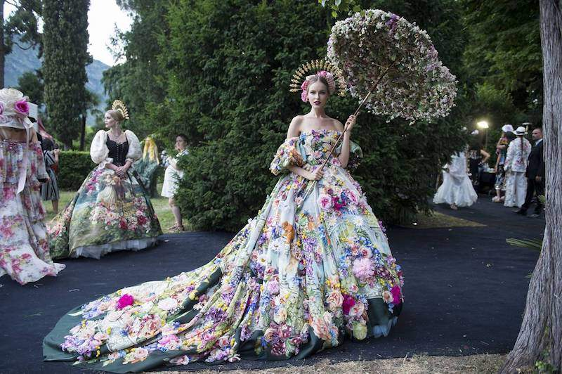 Dolce & Gabbana Stars Were Shining on Lake Como by Maria Zota