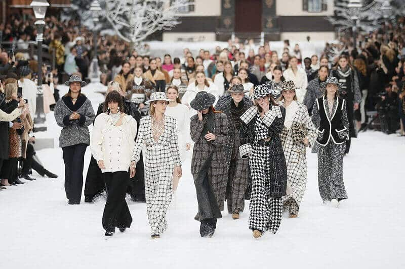 Chanel, Karl Lagerfeld latest Fashion Show: Camellias, Hearts, Bows and Hairpins as the Current Chanel Hairstyle Trend by Maria Zota
